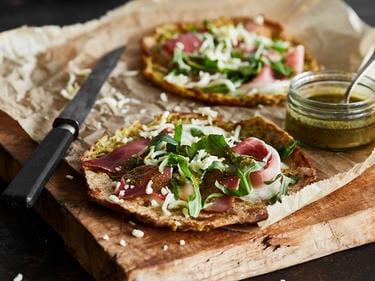 Gezonde pizza parmaham & rucola